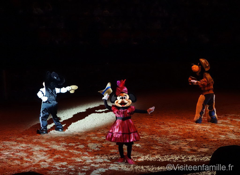 Minnie et Goofy à Wild West Show Paris