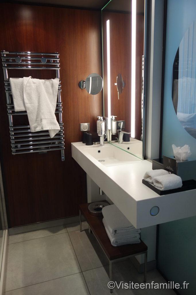 La salle de bain de l'hôtel Molitor Paris