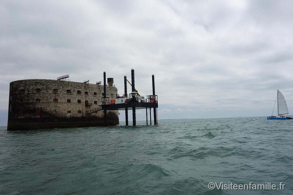Fort Boyard depuis un bateau