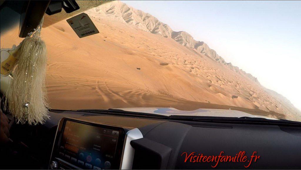 desert dubai voiture dune