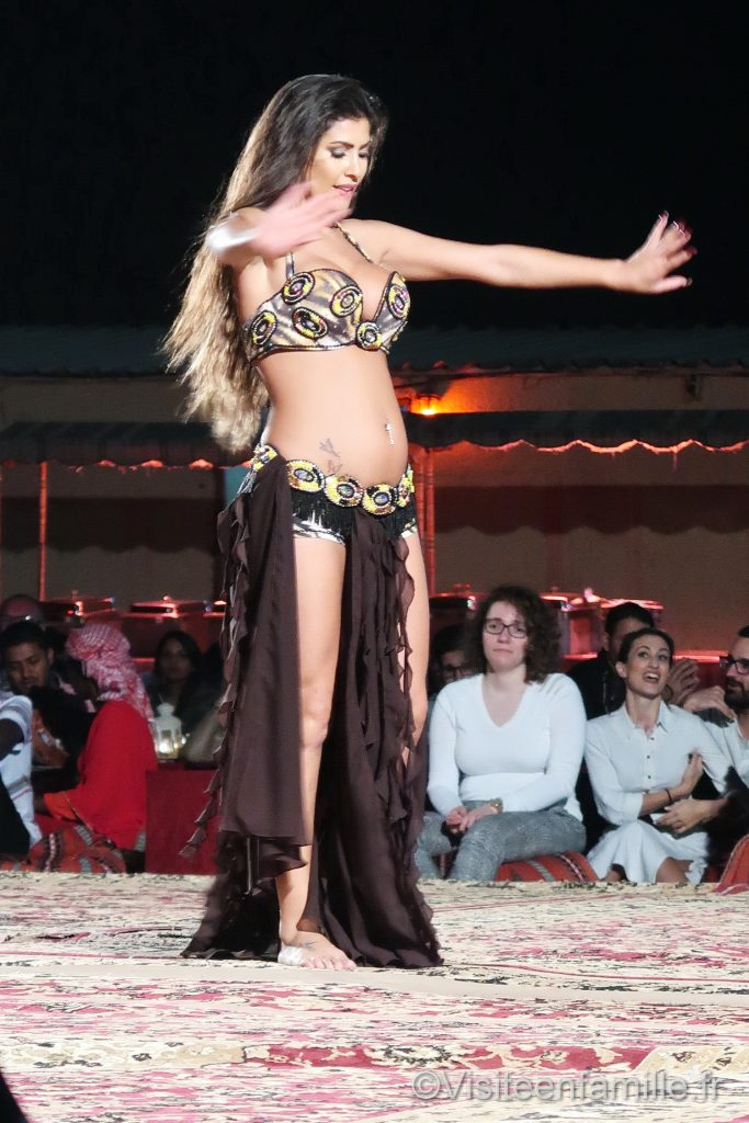 belly dancing dubai