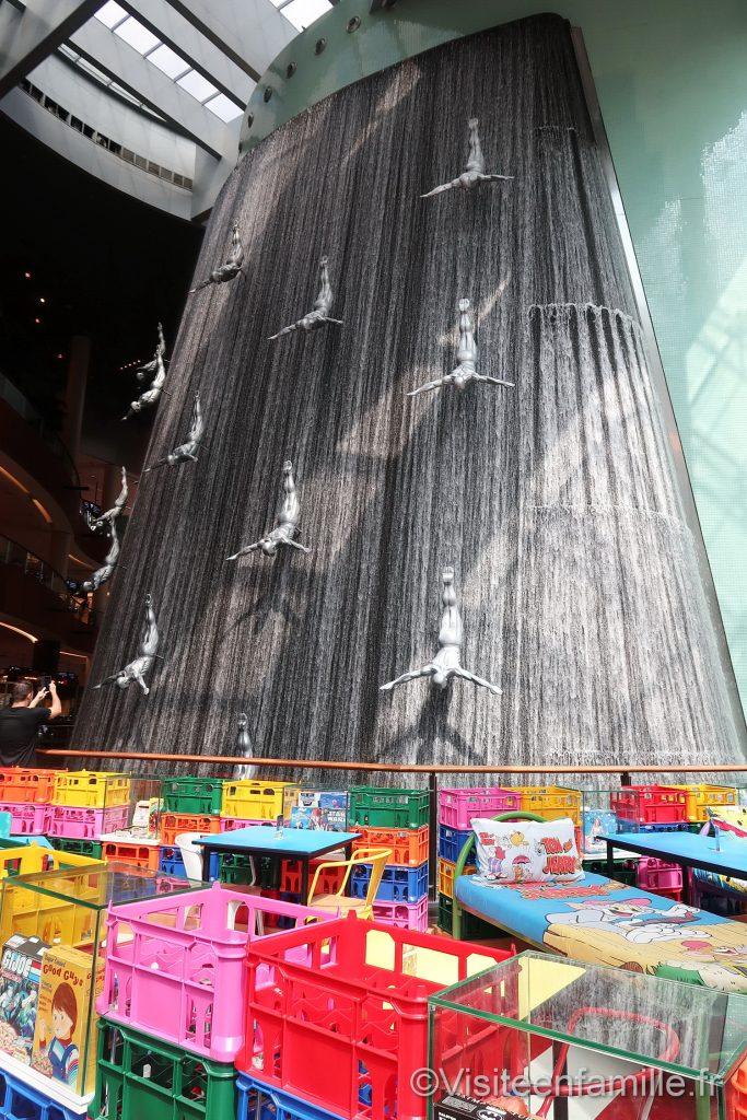 cascade dans le Dubai mall