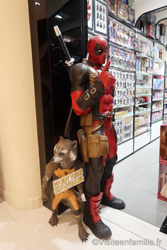 Deadpool and Rocket Raccoon in dubai mall