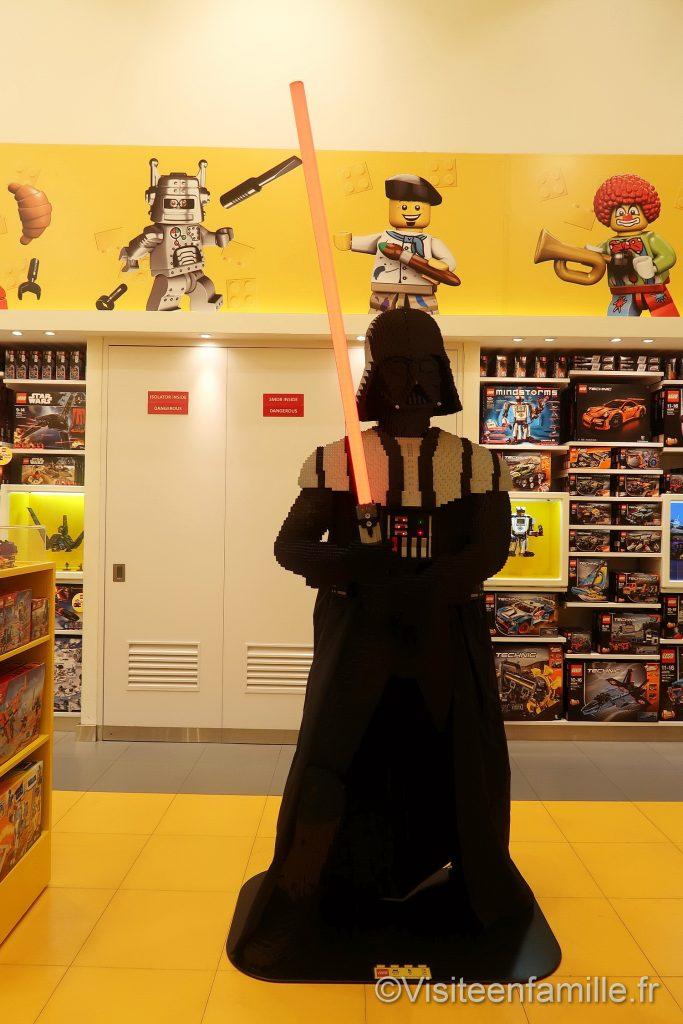 Darth vader lego dubai mall