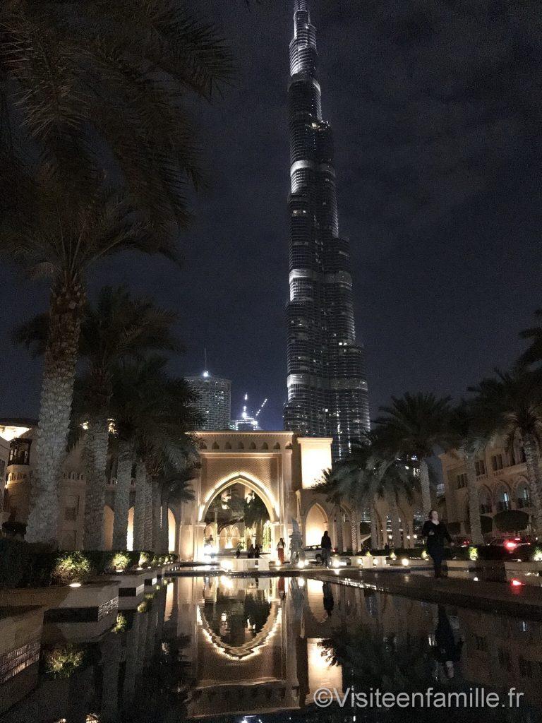 Vu de la Burj kalifa de nuit depuis le Palace Downtown Dubai
