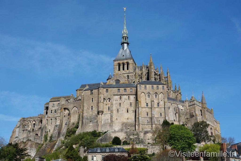 Le mont Saint Michel vu extérieur