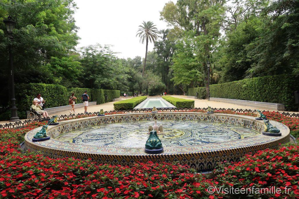 fontaine dans le parc de Maria Luisa de Séville