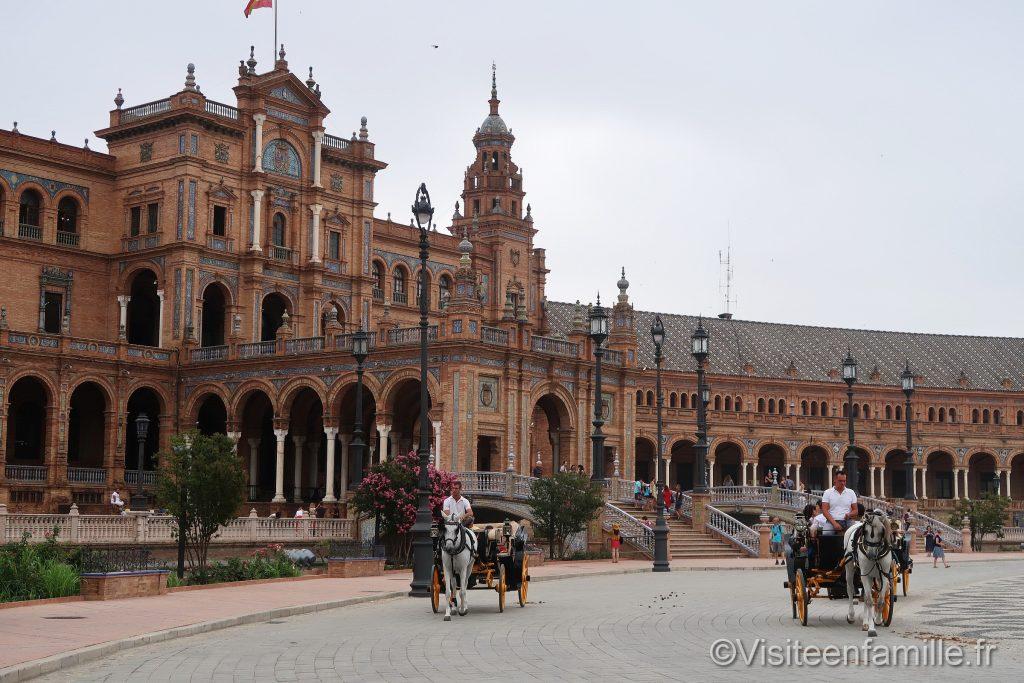 calèche sur La Plaza de España de Séville