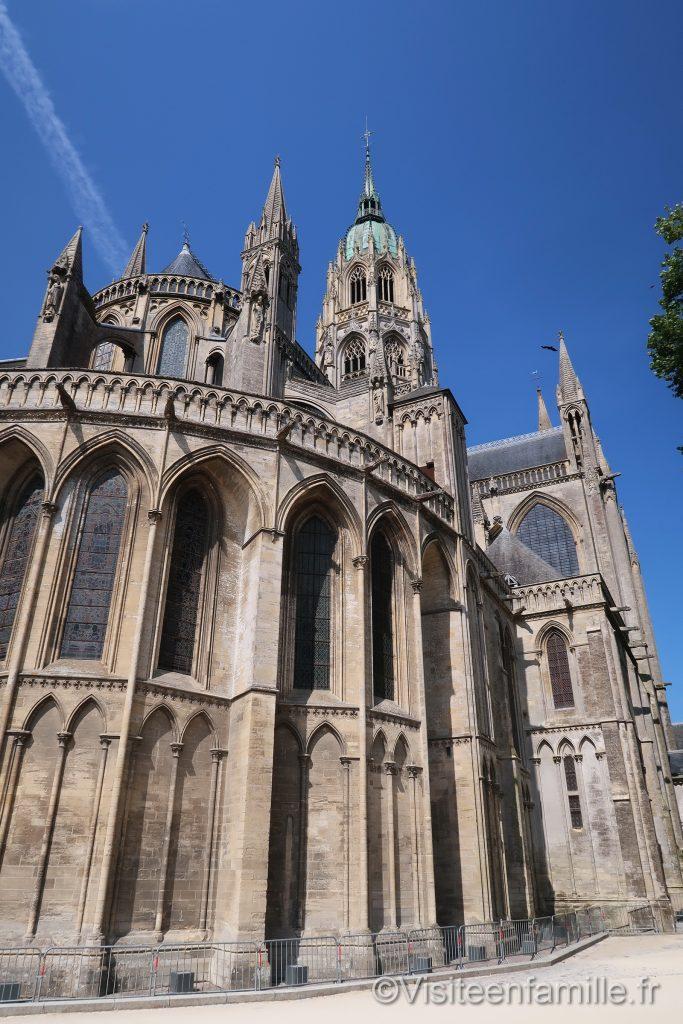 arrière de La Cathédrale Notre-Dame de Bayeux