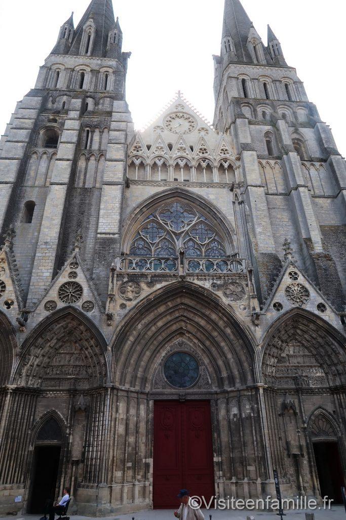 porte cathédrale de bayeux