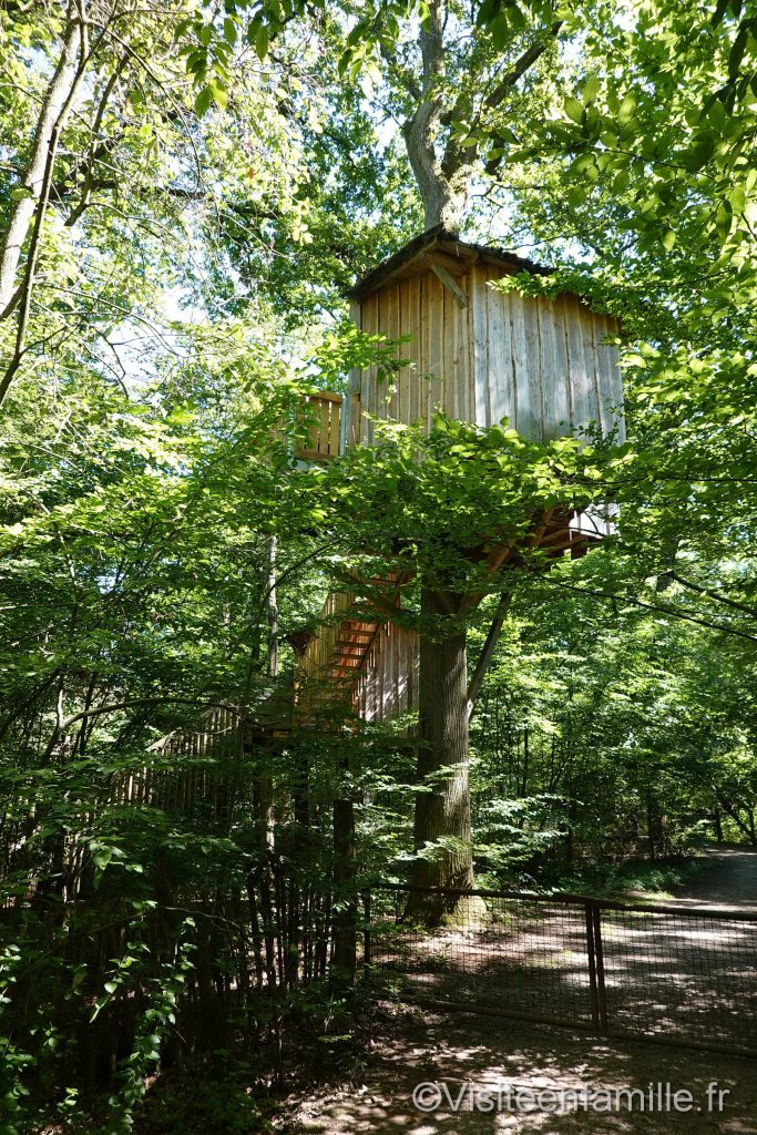 chambre dans les arbres du parc sainte croix