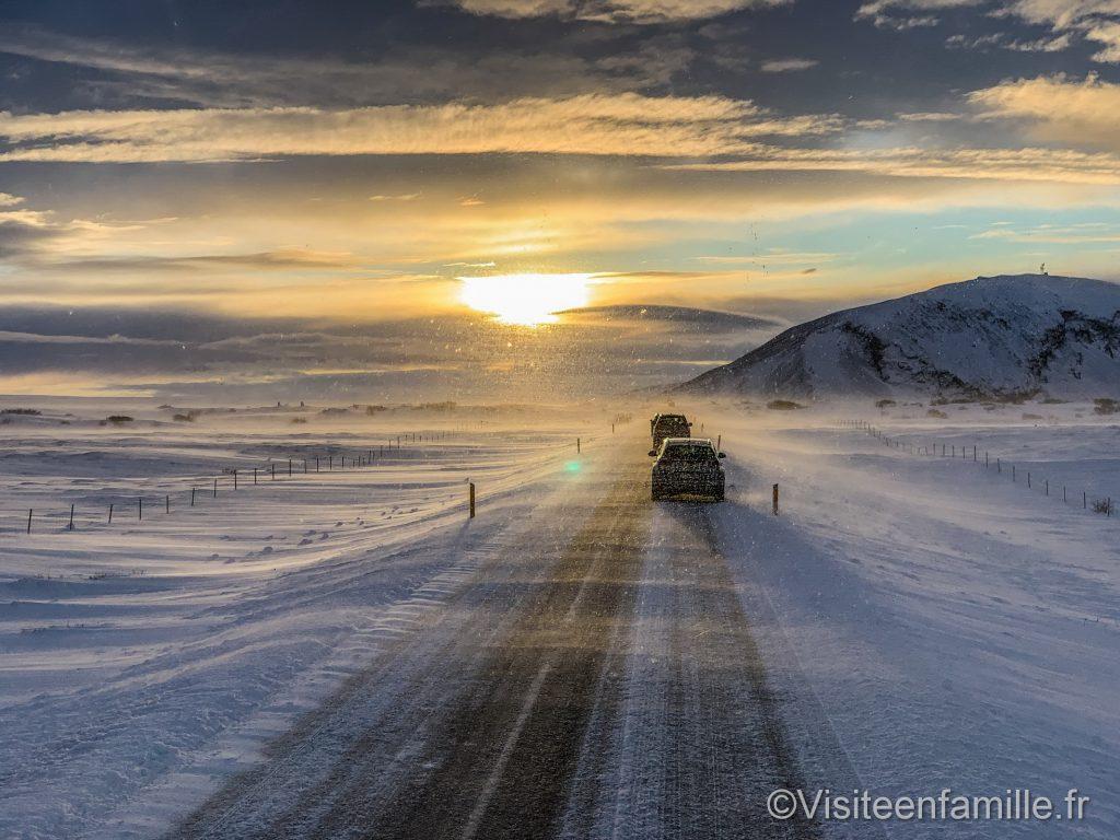 tempête sur la route en islande