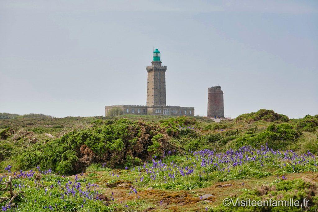 phare actuel et ancien phare du Cap Fréhel