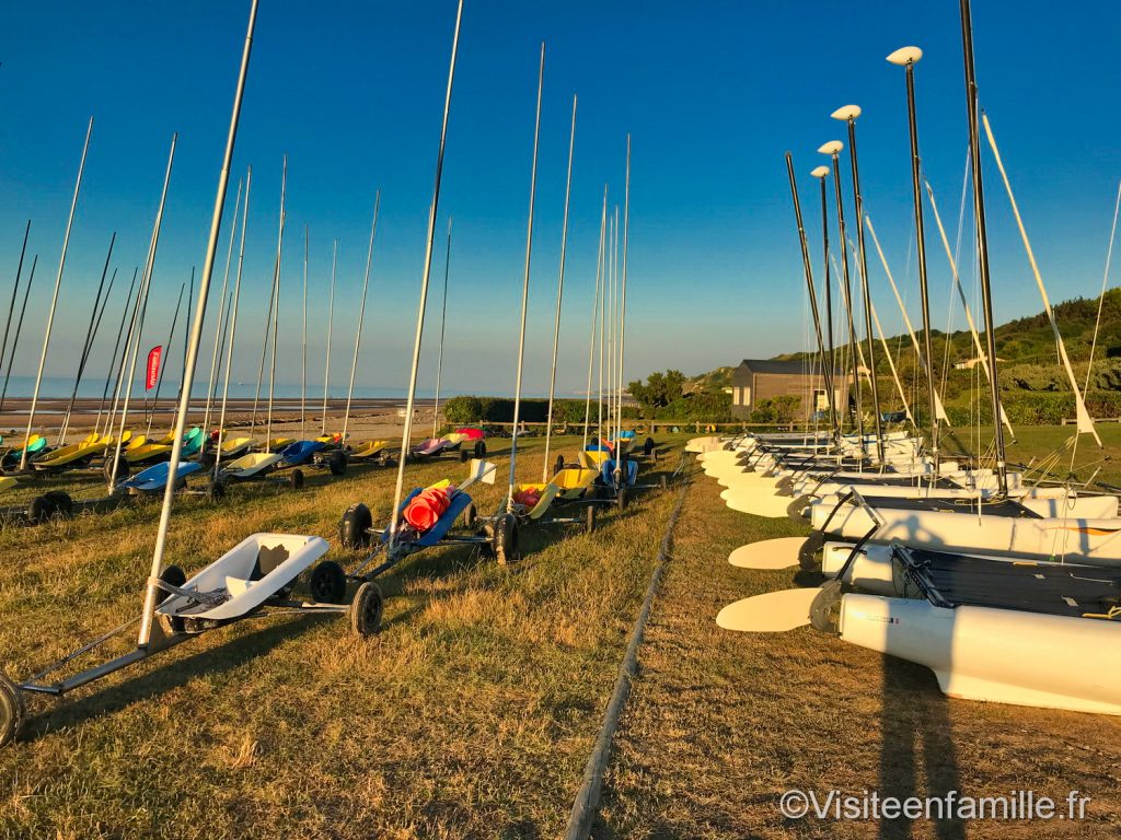 Les bateaux du club nautique Omaha beach
