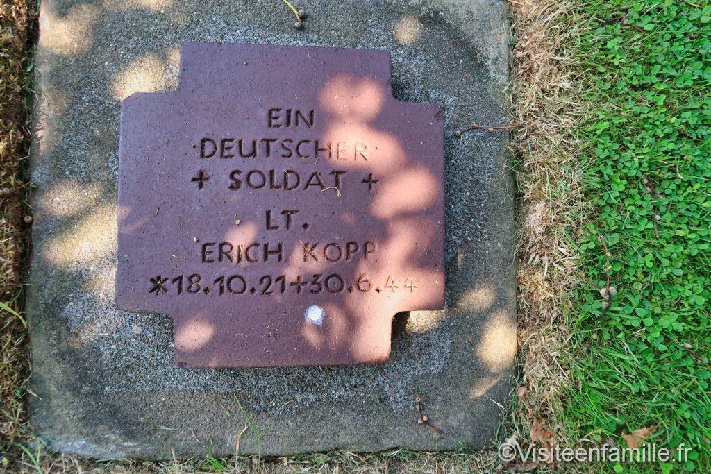 cimetière allemand de Colleville sur mer Normandie