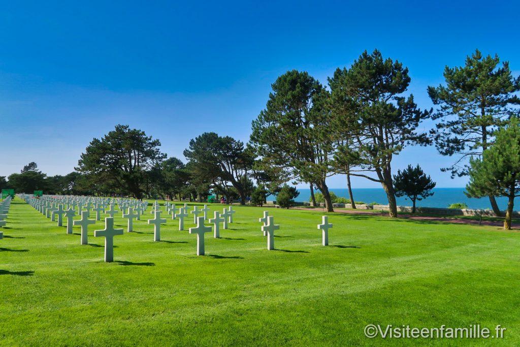 cimetière américain surplombant la plage d'Omaha