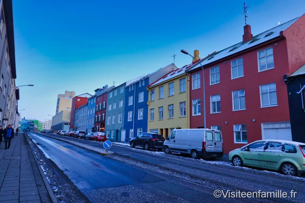 rue coloré islande
