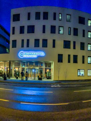 Center Hotel Midgardur à Reykjavik de nuit