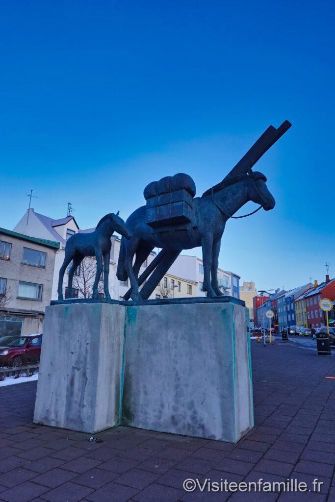 Statue cheval islande